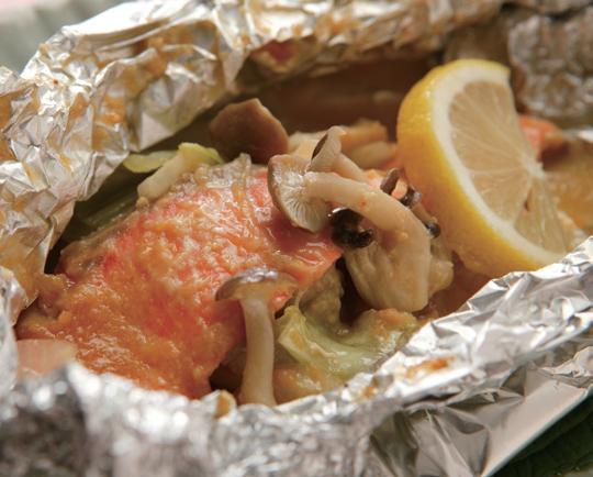 鮭のチャンちゃん焼き風ホイル焼き